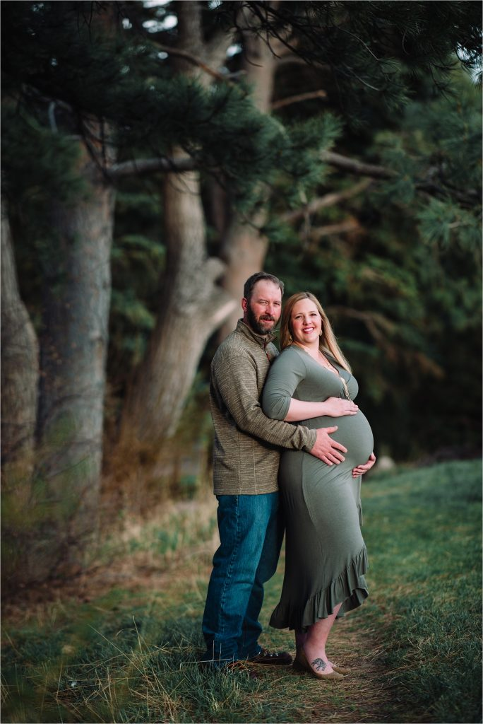 Cheyenne maternity session in park